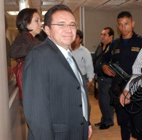 """Honduras:Juez no libra orden de captura contra Flores Lanza porque el caso """"ya está investigado"""""""