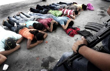 17 muertos y 4.000 detenidos en tres meses de protestas