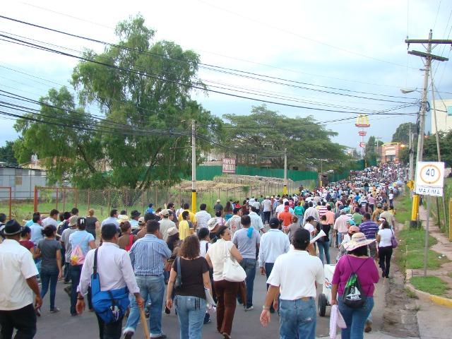 Marcha de magisterio 26 agosto un minuto antes de represión