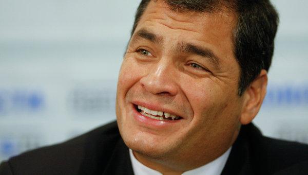 Correa alerta sobre un eventual golpe de Estado por enfrentamiento con militares