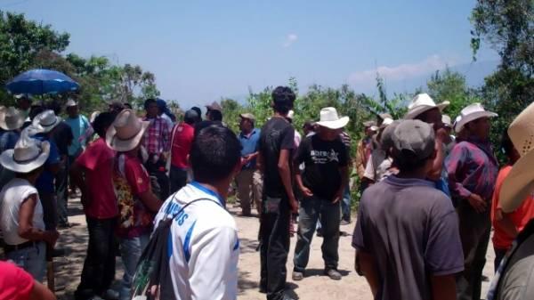 """Desalojan Protesta de Comunidades Lencas Contra Proyecto Hidroeléctrico """"Agua Zarca"""""""