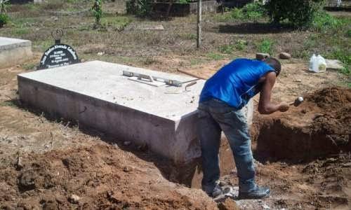 Exhumación de campesinos asesinados y el negocio palmero de Dinant