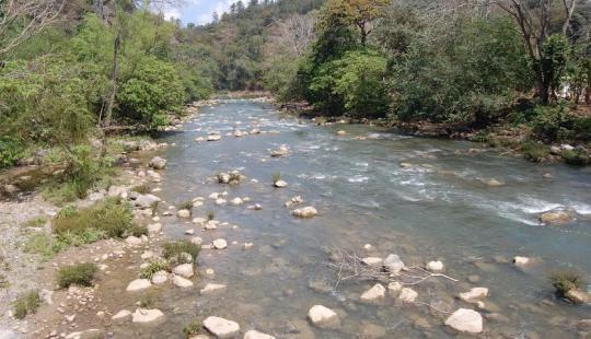 """""""Pequeños proyectos hidroeléctricos"""" con grandes problemas para las comunidades de Santa Bárbara"""