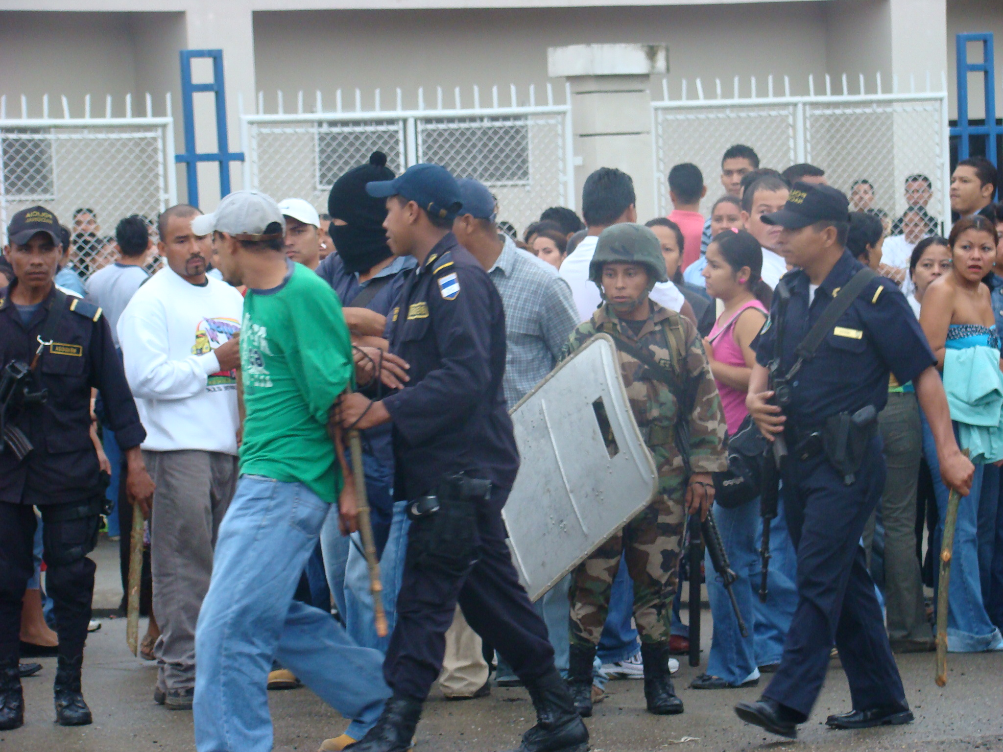 Obreros sindicalistas despedidos y golpeados trabajan para ANVIL Y NIKE
