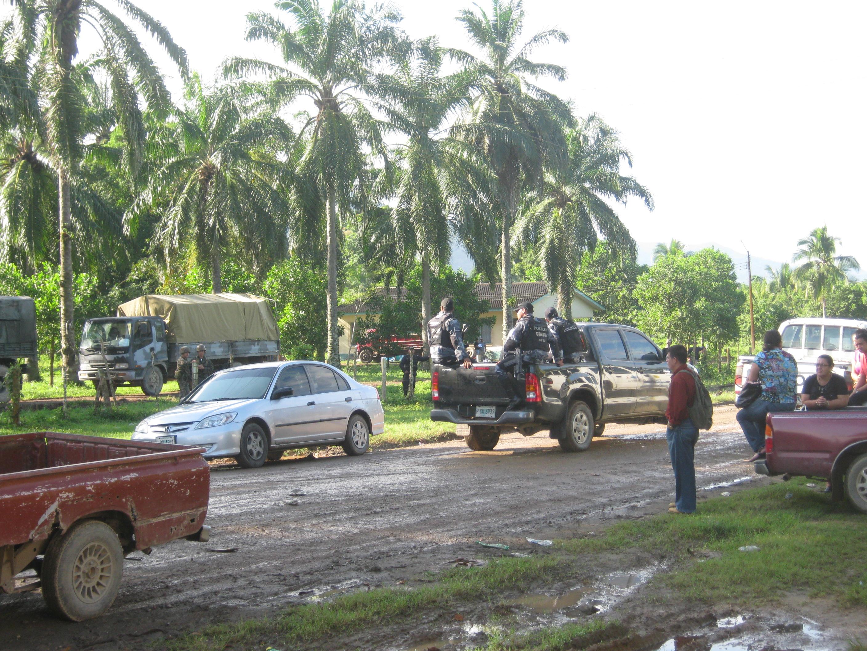 Comandos del ejército asaltan las oficinas del INA en Sinaloa Colón