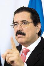 Ex presidente Manuel Zelaya declara ante la Comisión de Verdad