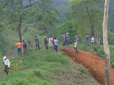 """Honduras: """"El terror que vivimos durante dos horas es la trágica cotidianidad de este pueblo"""", dice observadora secuestrada"""