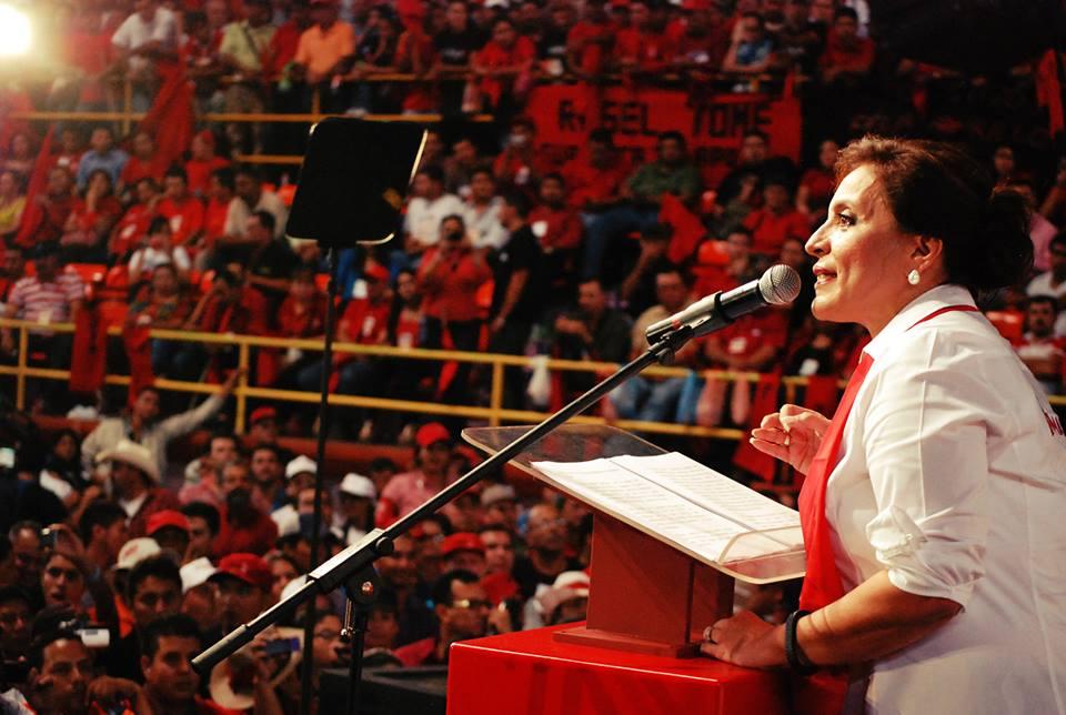 """""""Somos nosotros el presente y el futuro de Honduras"""", dice candidata presidencial de Libre"""